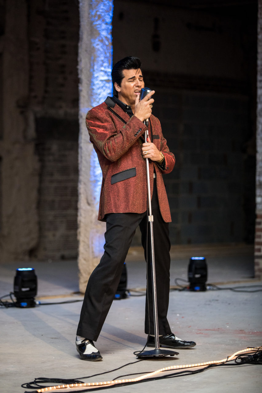Elvis impersonator performs for 100 Club members - Winter 2018