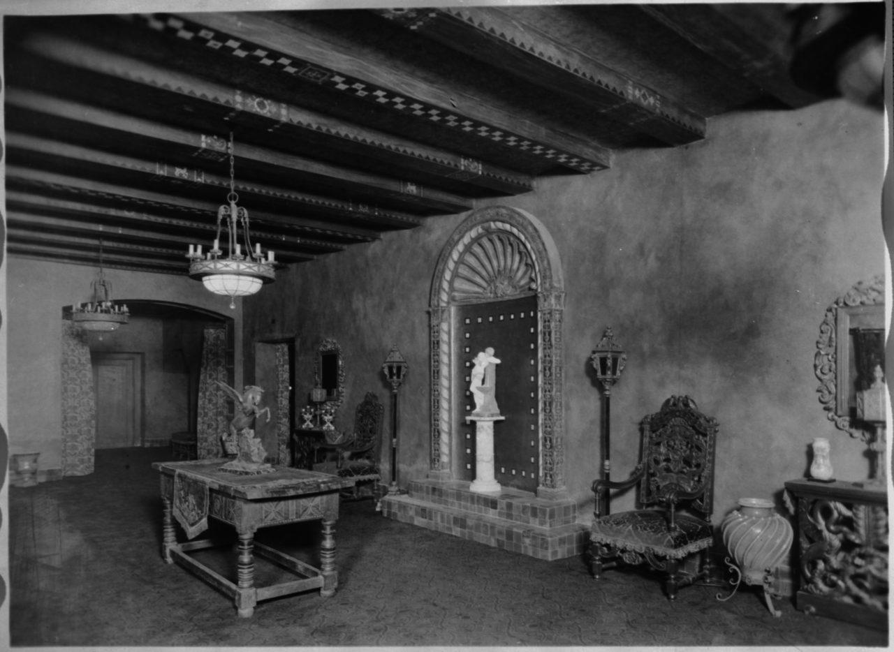 Mezzanine Lobby - c. 1927