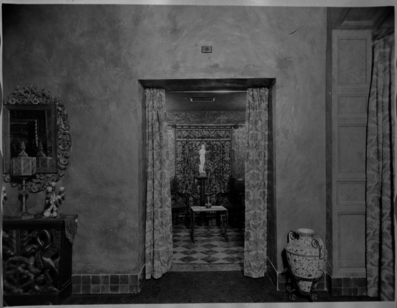 Bathroom entrance mezzanine