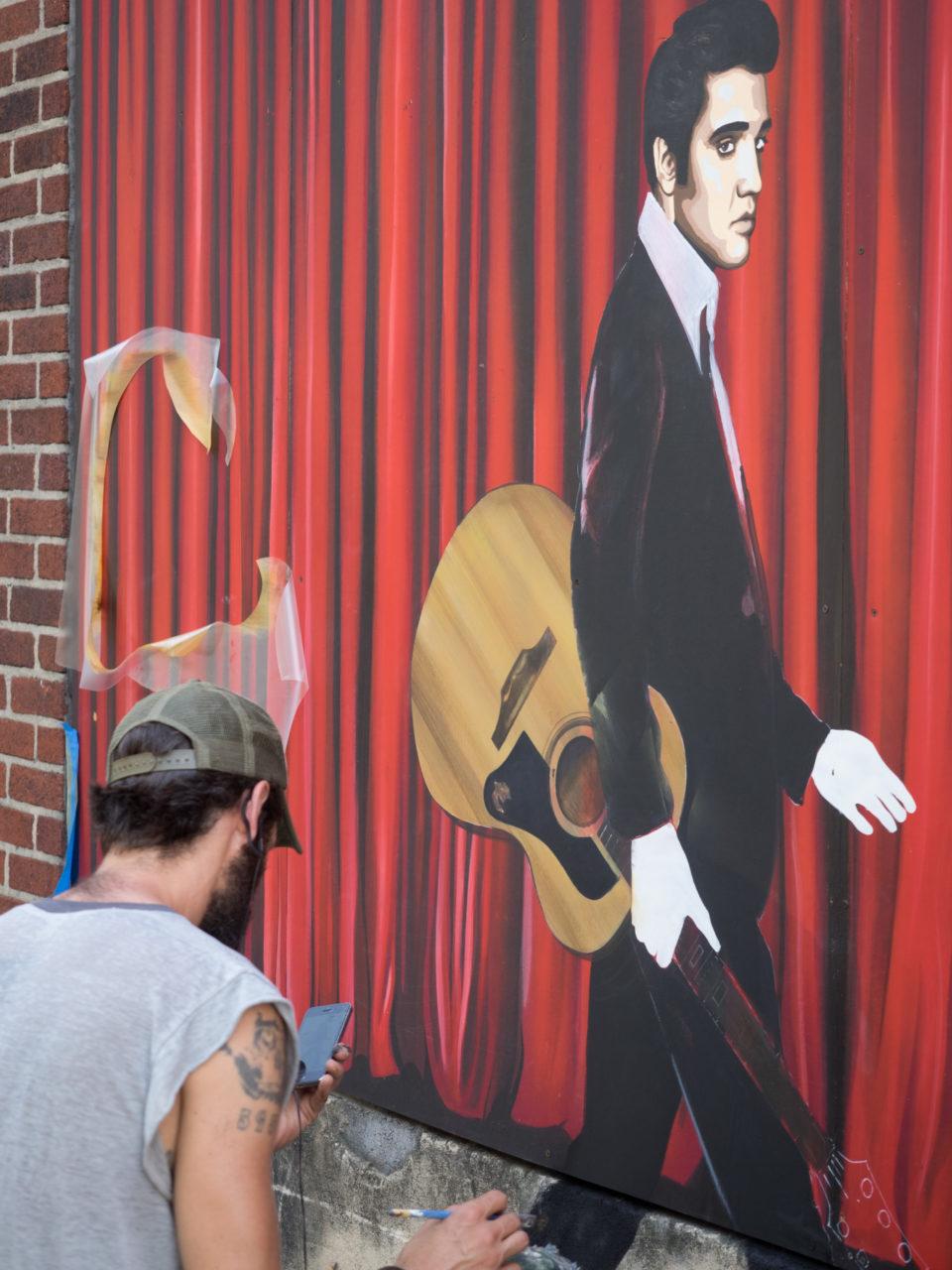 Matt Hooker adds Elvis to the mural created by MooreHooker - 2014
