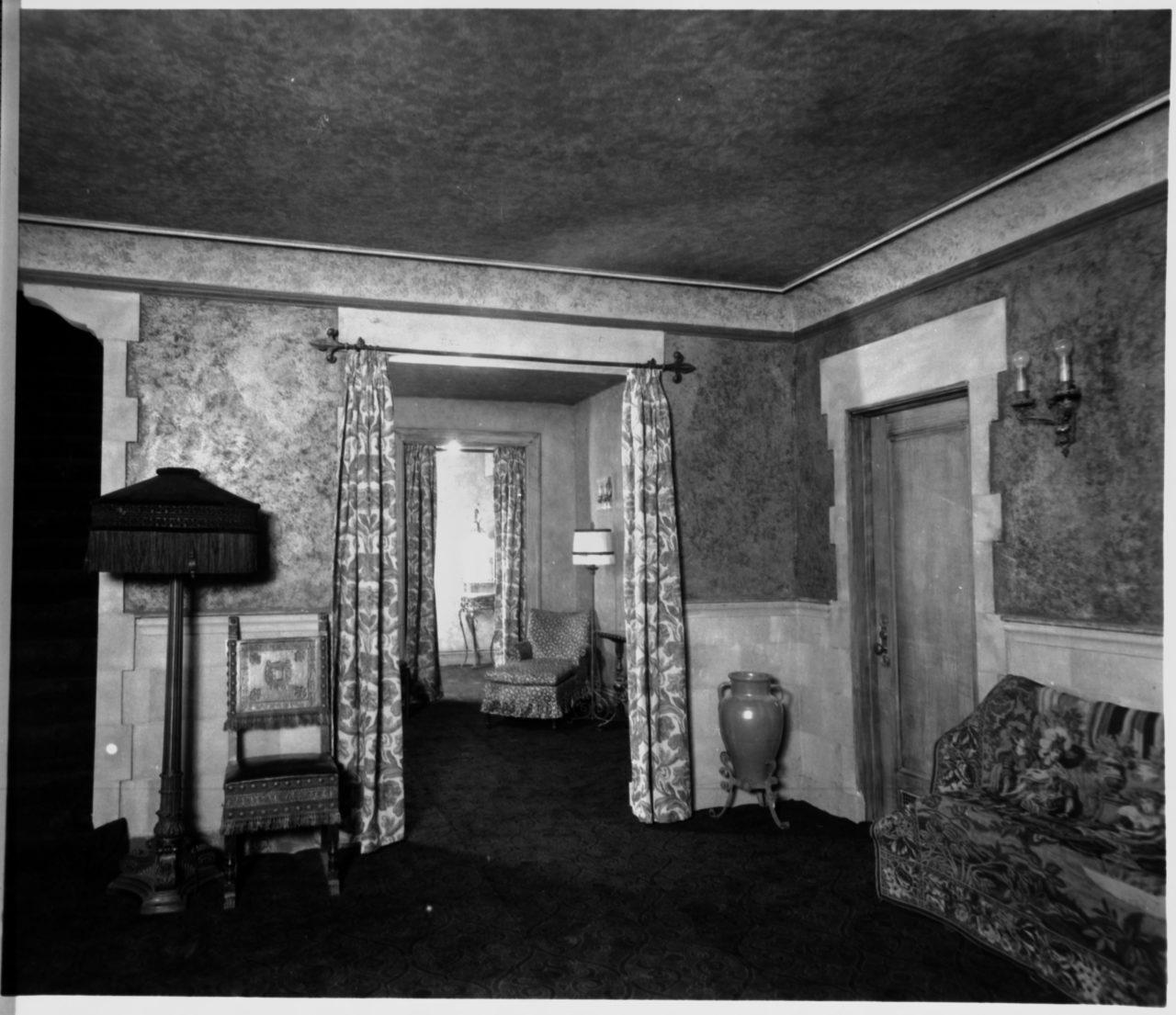 Sitting area - c. 1927